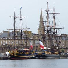 L'#Hermione et l'Etoile du Roy à #SaintMalo #tallships #sailing #frigate #bretagne #breizh #ileetvilaine