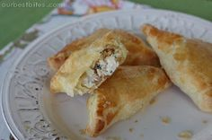 Creamy Chicken & Bacon Pastry Pockets - If I leave out the sundried tomatoes these will be a hit with my group. Maybe adding some fresh spinach to the filling would be a good addition.