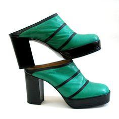 Vintage High Heel Shoes / 1970s Green Black by LookAgainVintage, $145.00