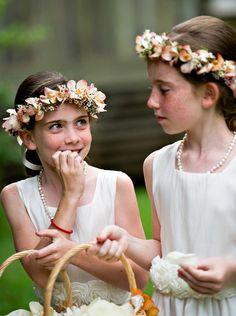 kelly-robinson-matt-west-amelia-strauss-photography-destination-wedding-hawaii-haiku-mill-maui-flower-girls1