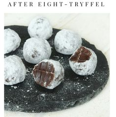 after eight -tryffelit (lindas bakskola & matskola) Xmas Food, Christmas Sweets, Christmas Candy, Christmas Baking, Candy Recipes, Sweet Recipes, Dessert Recipes, Dessert Food, Homemade Candies