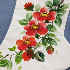 대전천아트수강/꽃그리기/ 백량 /동백꽃/ 버선장식/ 버선그림 대전가오풀잎문화센터 042-272-5579 010-2242-4057 : 네이버 블로그 Chinese Painting Flowers, Flower Painting Canvas, Fabric Painting, Embroidery Stitches, Hand Embroidery, Embroidery Designs, Painted Canvas Bags, Hand Painted Fabric, Almond Blossom