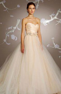 Bridal Gowns: Lazaro Princess/Ball Gown Wedding Dress with Sweetheart Neckline and Natural Waist Waistline