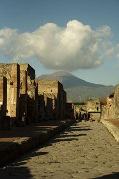 Pompei, Italy  http://www.turistarth.com/la-storia-saremo-noi/67-p-per-pompei-la-cultura-e-il-petrolio-italiano