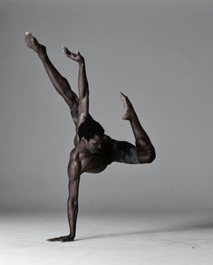 Calvin Royal III dancer with American Ballet Theatre Photographed by Nisian notes Ballerino Black Dancers, Male Ballet Dancers, Dancers Pose, Foto Picture, Ballet Photography, Figure Photography, Amazing Dance Photography, Photography Poses, Newborn Photography