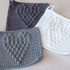 Guten Morgen! Für diese Spültücher habe ich euch die Anleitung auf meinen Blog gestellt. Wenn ihr sie nachhäkelt, würde ich mich freuen, wenn ihr sie mit dem Hashtag #spültuchmitherz hier zeigen würdet. Einen schönen Tag für euch! #häkeln#crochet#haken#anleitung#autobahnhäkelei#selbstgemacht#spültuch