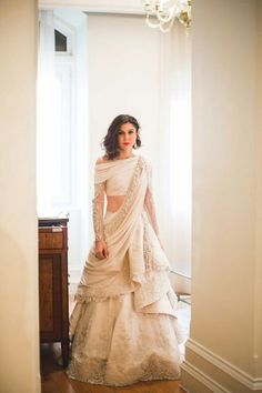 Top 10 Bridal Lehenga Trends Every Bride Of 2018 Needs To Swear By Indian Wedding Gowns, Indian Gowns, Indian Attire, Indian Outfits, Indian Wedding Dresses Traditional, Indian White Wedding Dress, Indian Wedding Clothes, Wedding Lehanga, Indian Fusion Wedding