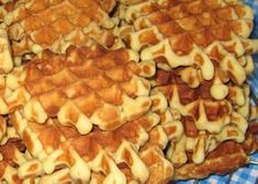Galettes for new year Crepes, Belgian Food, Belgian Recipes, Algerian Recipes, Beignets, Cake Mix Cookies, Biscuits, Dessert Recipes, Food And Drink