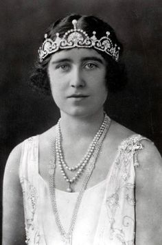 The young Queen Mother, Duchess of York in 1924 wearing pearl and diamond sautoir with fifteen rows of pearls mounted on platinum wire and diamond endpiece