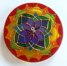 Incensário em vidro de 10cm de diâmetro. Pintura vitral. R$ 24,00 by Mandalas em Vitral