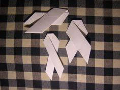 How to Make an Origami Awareness Ribbon | eHow UK