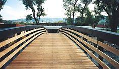 http://www.conteches.com/portals/0/Images/CONTECH%20Product%20photos/Bridges%20and%20Structures/Truss/deck-wood.jpg