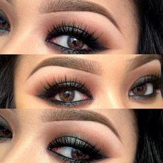 pretty green & brown eyeshadow.
