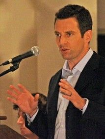 Sam Harris - one of the clearest thinking, most articulate, peaceful thinkers I have had the pleasure of reading.