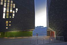 :: Revista Axxis :: Mazzanti en el MOMA