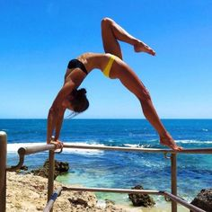 12 Of The Most Ridiculously Hot Girls Doing Yoga Yoga Dance, Dance Poses, Yoga Inspiration, Fitness Inspiration, Yoga Fitness, Pilates, Body Women, Photos Fitness, Photo Yoga
