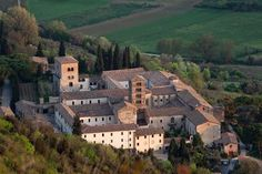 History of The Abbey of Farfa. Benedectine abbeys in Italy Santa Maria, Travel Around, Countryside, Rome, Medieval, Mansions, History, Architecture, House Styles