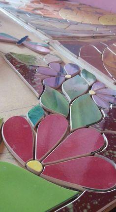 Mosaic Crafts, Mosaic Art, Mosaic Tiles, 3d Paper Crafts, New Crafts, Mosaic Furniture, Mosaic Flowers, Concrete Art, Right Brain