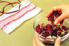 Vamos preparar o potpourri de flores perfumado