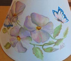 paralume dipinto su tessuto http://ideeinatelier.blogspot.it/2016/01/paralume-dipinto-mano.html