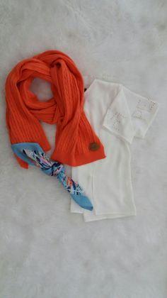 Blusa con Tachas, le sumas Bufanda o Pañuelo ?! #Moda