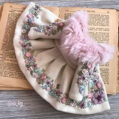 White embroidered coat for Blythe doll Baby Girl Fashion, Fashion Kids, Baby Knitting, Crochet Baby, Pink Faux Fur, Sewing Dolls, Diy Dress, Doll Clothes Patterns, Baby Girl Dresses