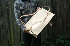 The Eddy Tote to Backpack by HunterPassLeather on Etsy. WANT! Super clever innovative design.