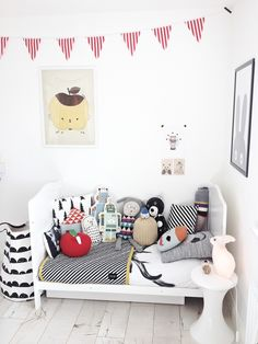 kids room, black + white + color | photo: ArtMarble kids design & fashion blog from N. Ireland; via fawnandforest.com