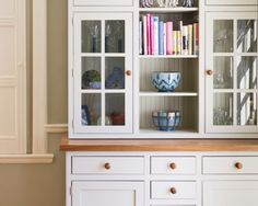 Norfolk Oak are very much exponents of freestanding kitchen furniture, in particular beautifully made painted dressers & sideboards. Kitchen Dresser, Kitchen Cabinet Storage, Kitchen Paint, Kitchen Furniture, Shaker Kitchen, Kitchen Units, Ikea Kitchen, Kitchen Cupboards, Freestanding Kitchen