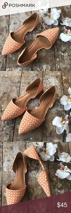 J.Crew Graphic Dot d'Orsay Flats in Orange & Ivory Super cute J.Crew d'Orsay flats that look great with jeans, shorts, skirts or dresses. Perfect for Spring and Summer! Fabric upper in cool orange & ivory graphic dot design. Man-made sole. Gently used a few times, clean with upper fabric in great shape. Only small marker mark on inside of right sole and some wear on bottom of soles but still in good shape, see pics. Size 6.5 🎈No holds/trades 🎈No lowball offers, open to reasonable ones…