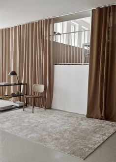 A Creative Helsinki Studio with a Gorgeous Pink Kitchen - Nordic Design Minimalist Interior, Minimalist Bedroom, Minimalist Curtains, Interior House Colors, Interior Design, Interior Minimalista, Shop Interiors, Nordic Design, Design Design