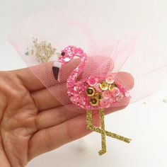 Items similar to Flamingo bow, flamingo hair clip, flamingo headband, on Etsy Flamingo Craft, Flamingo Party, Felt Flowers, Fabric Flowers, Bow Display, Sequin Crafts, Boutique Hair Bows, Making Hair Bows, Diy Hair Accessories