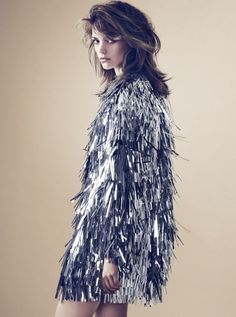 Possibly the coolest sparkle fringe dress. Can you imagine this fringe fly in the air as you twirl around? Metal Fashion, Inspiration Mode, Bridal, Flappers, Editorial Fashion, Marie, Fashion Beauty, Dope Fashion, Fashion Photography