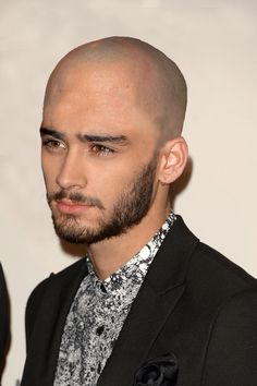 Bald Zayn Malik. | If One Direction Were Bald>>>this is what my nightmares look like