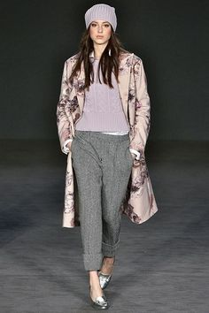 Al via la #LondonFashionWeek – TheAuburnGirl http://www.theauburngirl.com/al-via-la-london-fashion-week/ #fw17. Girly girl menswear inspo