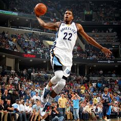 The Grizzlies' Rudy Gay goes in for an uncontested dunk during the first half.