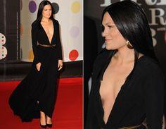 Jessie J. com um Versace no Brit Awards 2013.