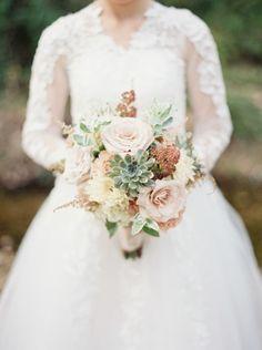 Vintage inspired bouquet: http://www.stylemepretty.com/little-black-book-blog/2015/01/06/vintage-gold-blush-wedding-inspiration/ | Photography: Elizabeth Ngundue - http://elizabethngunduephotography.com/