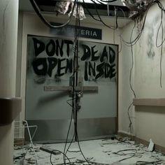 The Walking Dead Webisode: The Oath  http://l7world.com/2013/10/walking-dead-webisode-oath.html  #walkingdead #tv #zombies #prequel