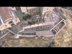 La fortaleza de Calatrava-La Nueva, a vista de drone - MiCiudadReal.es Villas, City Photo, Cities, Spanish, Medieval Town, Fortaleza, Monuments, Castles, Buildings