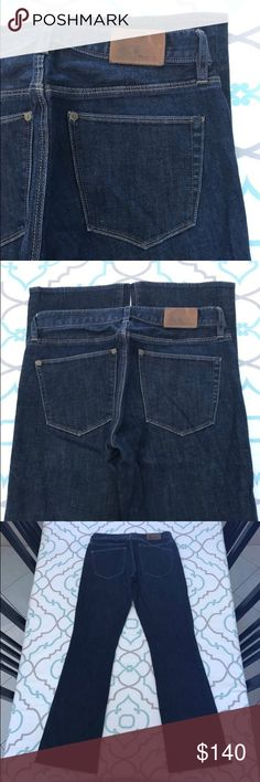 """💙👖Gorgeous Madewell Jeans👖💙27 3/4 31"""" Bootleg! 💙👖Gorgeous Madewell Jeans👖💙 Bootlegger Fit. Size 27x32 27 (3/4). 31.25"""" Inseam. 7.75"""" Rise. 14.5"""" Across Back. Good Stretch. Dark Blue Wash. No Fading. No Wear. No Distressing. Slight Scuffs on Back Patch. Otherwise Like New Condition! Madewell! Ask me any questions! : ) Madewell Jeans Boot Cut"""