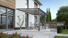 Met dit bouwpakket maak je een mooie aluminium overkapping voor boven je terras. Deze Compact Line aluminium terrasaanbouw heeft een afmeting van 304 x 250 cm en is voorzien van twee staanders. De staanders hebben een ingebouwd hemelwaterafvoersysteem. Verder is de terrasoverkapping voorzien van heldere polycarbonaten dakplaten. Daarnaast laat een heldere plaat meer licht door dan een plaat van melkwit polycarbonaat, waardoor je veel zon vangt op je terras. #veranda Compact, Pergola Aluminium, Facade, Outdoor Structures, Outdoor Decor, Plaque, Home, Products, Wooden Terrace