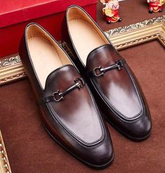 http://www.ferragamocollection.com/ferragamo-gancini-loafer-shoe-p-2264.html
