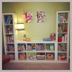 An IKEA Kallax closet (Expedit) is ideal in a children& room . here are 9 ideas IKEA Kallax kids hacks! Playroom Shelves, Playroom Organization, Playroom Ideas, Organization Ideas, Book Shelves, Ikea Shelves, Ikea Playroom, Basement Shelving, Cube Shelves