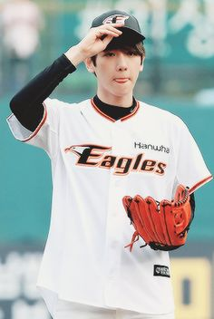 Baekhyun - EXO) don't judge me but, my first thought was got7 home run! ^^