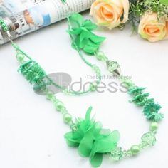 Green cloth art     Seed Pearl acrylic double layer necklace