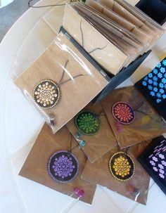 Mandala Painting, Dot Painting, Painted Rocks, Hand Painted, Mandala Jewelry, Mandala Dots, Diy Pins, Wood Ornaments, Zentangles