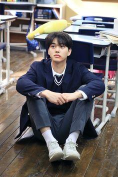 He is toooo cute😍 Korean Male Actors, Asian Actors, Korean Celebrities, Song Kang Ho, Sung Kang, Netflix Dramas, Kim Sohyun, Kdrama Actors, Golden Child