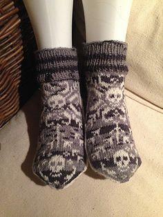 Sokker strikket med Skalle-mønster.