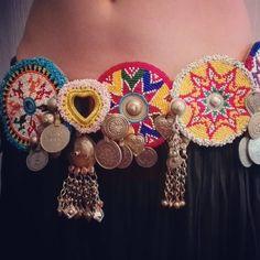 ん( 「Done. New tribal belt. За фурнитуру спасибо и Garba Dress, Navratri Dress, Boho Dress, Fabric Necklace, Fabric Jewelry, Beaded Embroidery, Hand Embroidery, Dandiya Dress, Afghan Clothes
